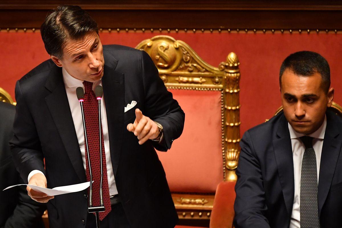 Der italienische Ministerpräsident Giuseppe Conte (links) ist am Dienstag zurückgetreten. Nun muss eine neue Koalition her, oder es stehen Neuwahlen an.