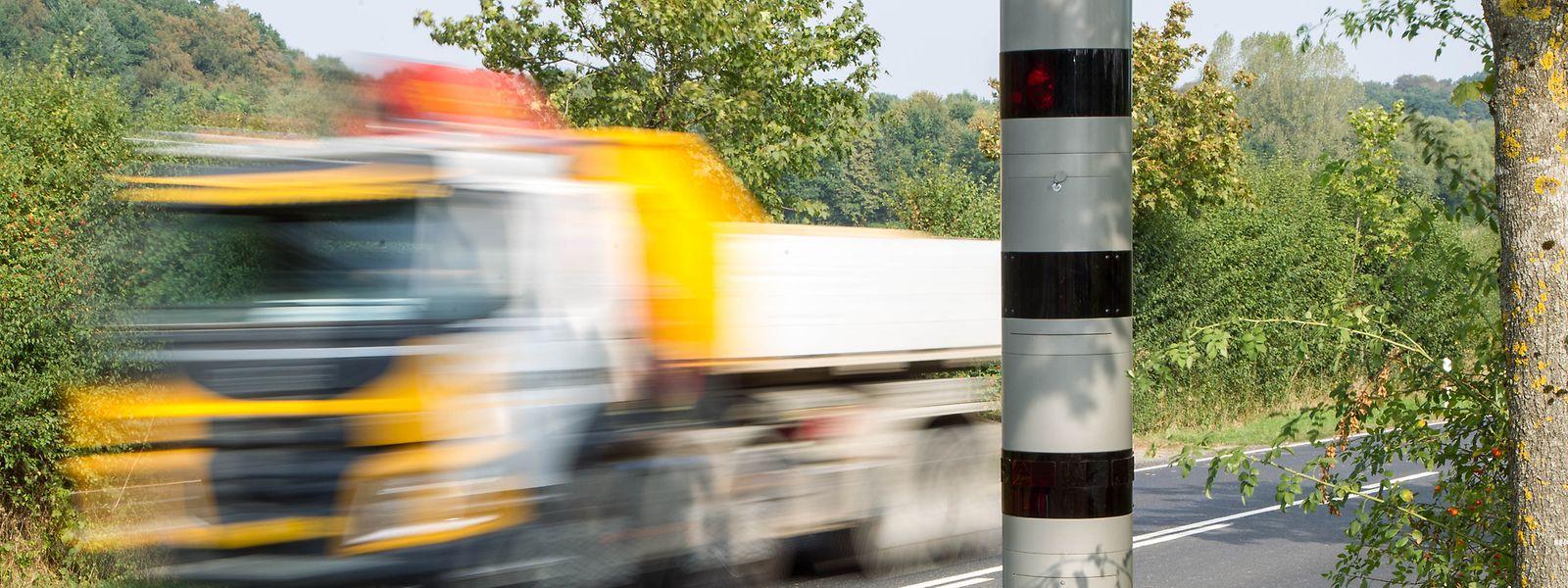 Le premier radar tronçon, installé en décembre 2019, a déjà flashé 7.250 usagers de la route sur les 3,8 kilomètres qu'il contrôle entre  Waldhof et Gonderingen.