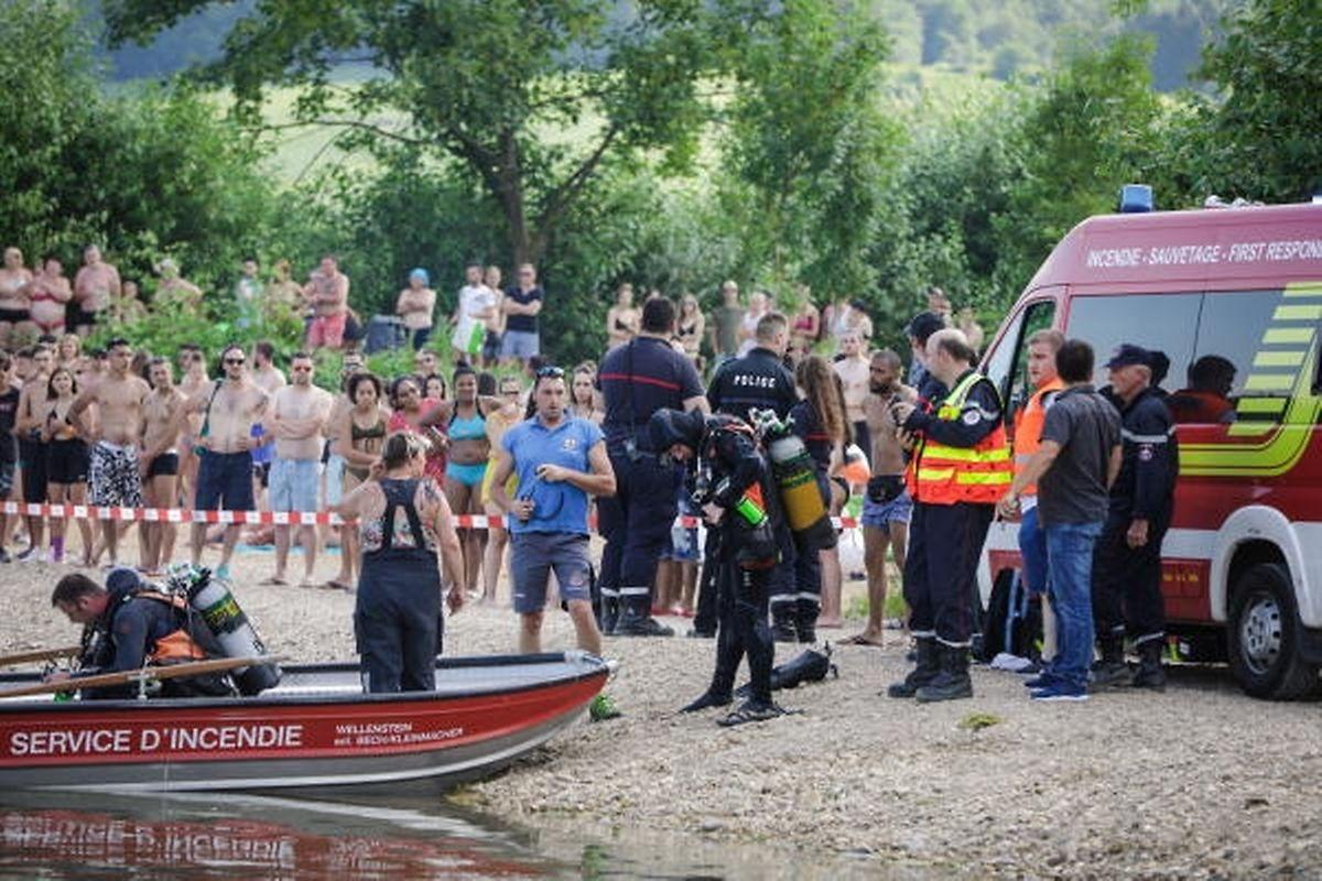 """La police a voulu évacuer la station balnéaire, mais les employés ont refusé, rapporte Inês: """"Comment va-t-on évacuer le parc? Et les personnes qui viennent juste d'entrer et de payer leur ticket?"""""""