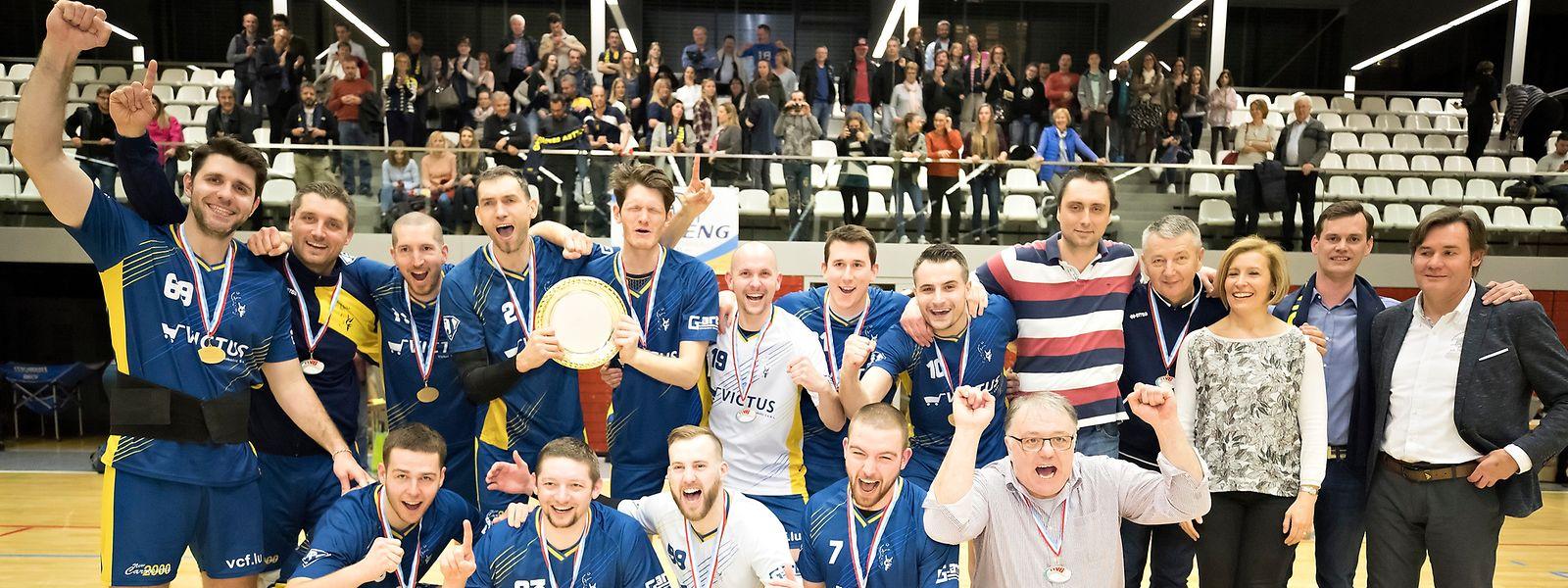 Fentingen setzte sich im zweiten Spiel des Endspiels der Volleyballmeisterschaft mit 3:2 gegen Strassen durch.