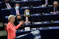 """European Commission President Ursula von der Leyen delivers a speech during a debate on """"The State of the European Union"""" as part of a plenary session in Strasbourg on September 15, 2021. (Photo by YVES HERMAN / POOL / AFP)"""