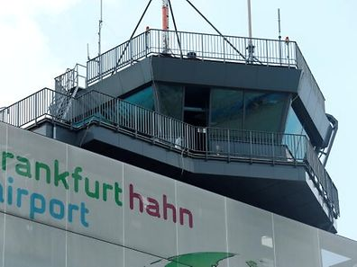 The control tower of Frankfurt Hahn airport is pictured 100 kilometers (60 miles) west of Frankfurt, Germany June 6, 2016.  REUTERS/Ralph Orlowski