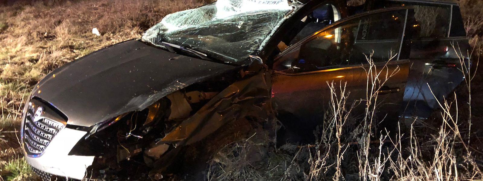 Das Auto war ins Schleudern geraten und hatte sich überschlagen.