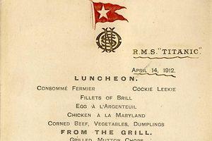 """Speisekarte aus der ersten Klasse der """"Titanic"""". Foto: HENRY ALDRIDGE AND SONS"""