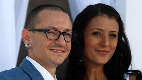 Chester Bennington hinterlässt seine Frau Talinda und sechs Kinder.