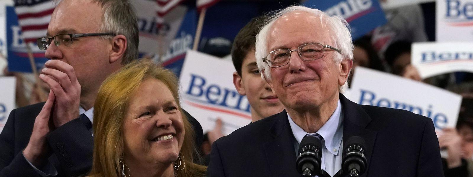 Senator Bernie Sanders, hier mit seiner Frau Jane O'Meara-Sanders, hat in New Hampshire das Rennen gemacht.