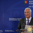 Mário Centeno, à esquerda, vai representar Portugal na reunião do Ecofin