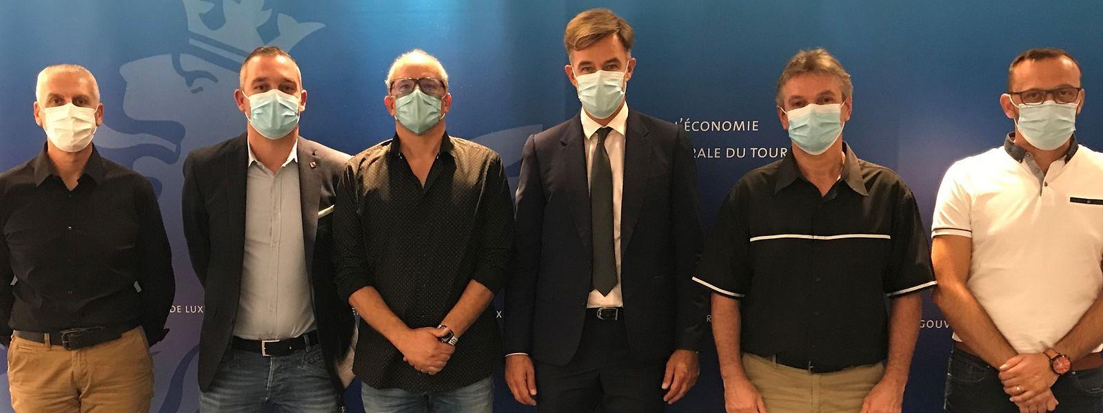 Franz Fayot (3ème à partir de la droite) a rencontré ce lundi les représentants de l'OGBL ainsi que les délégations du personnel de Guardian Luxguard
