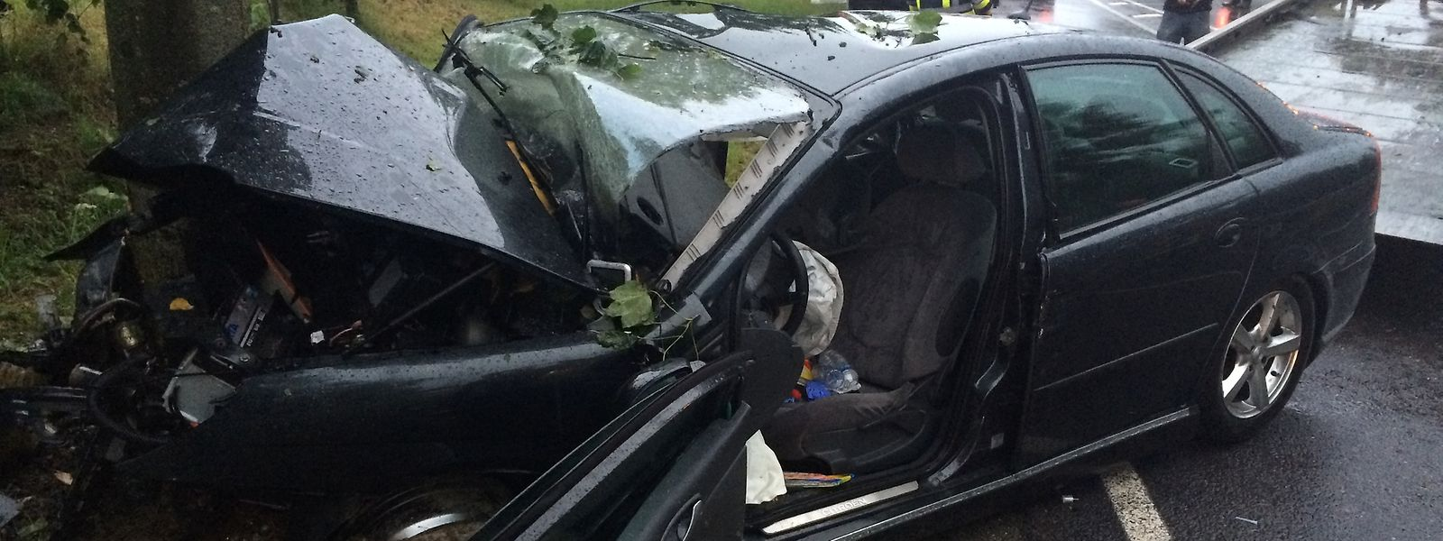 Accident Mortel A Huldange Choc Fatal Contre Un Arbre