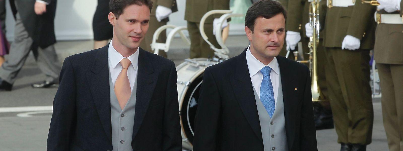 Em 2012, Xavier Bettel assistiu com o companheiro à cerimónia religiosa do casamento do grão-duque herdeiro, na catedral do Luxemburgo, uma pequena revolução nos costumes num país conservador