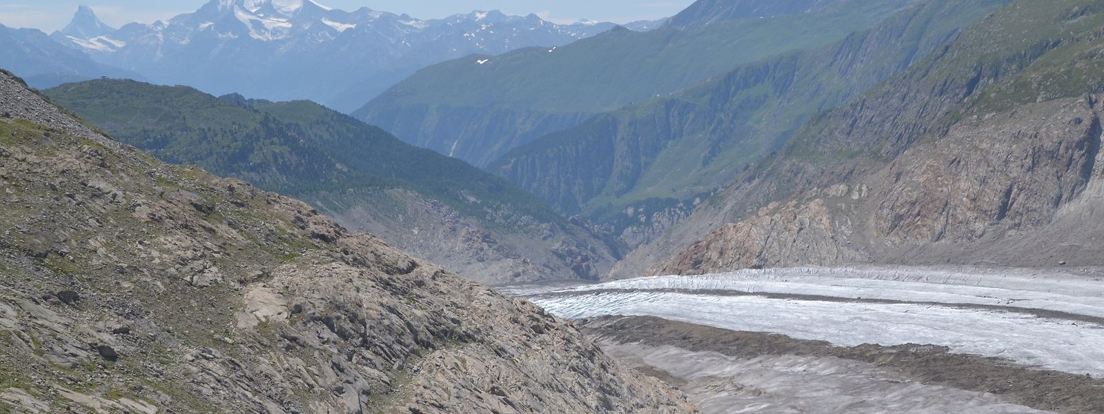 So sieht Gletscherschwund aus: Die glatten Felsen waren vor einigen Jahrzehnten noch von Eis bedeckt.