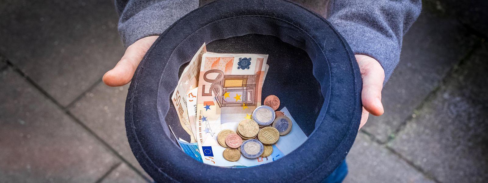 Stehen die Silbermünzen für das, was jeder Mensch zum Leben braucht und wofür es keine Maßeinheit und keine Lohntabelle gibt?