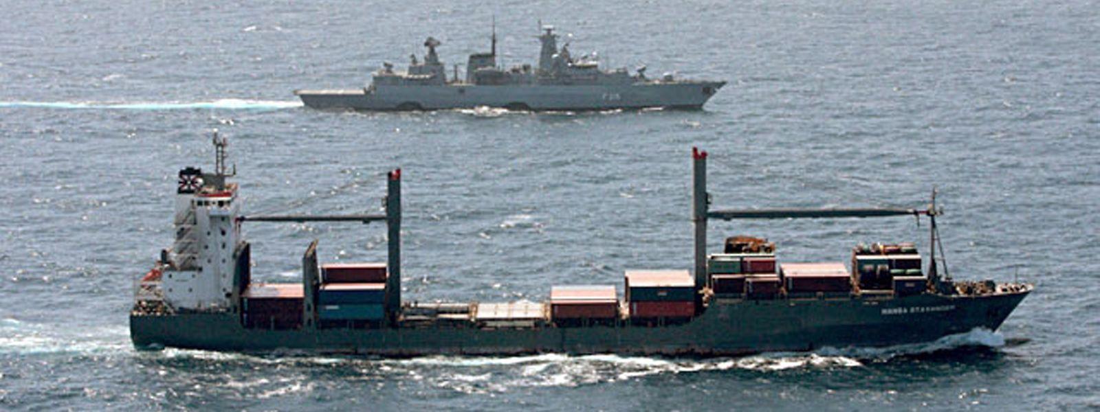 Die Küsten von Afrika sind für Frachtschiffe nicht ungefährlich.