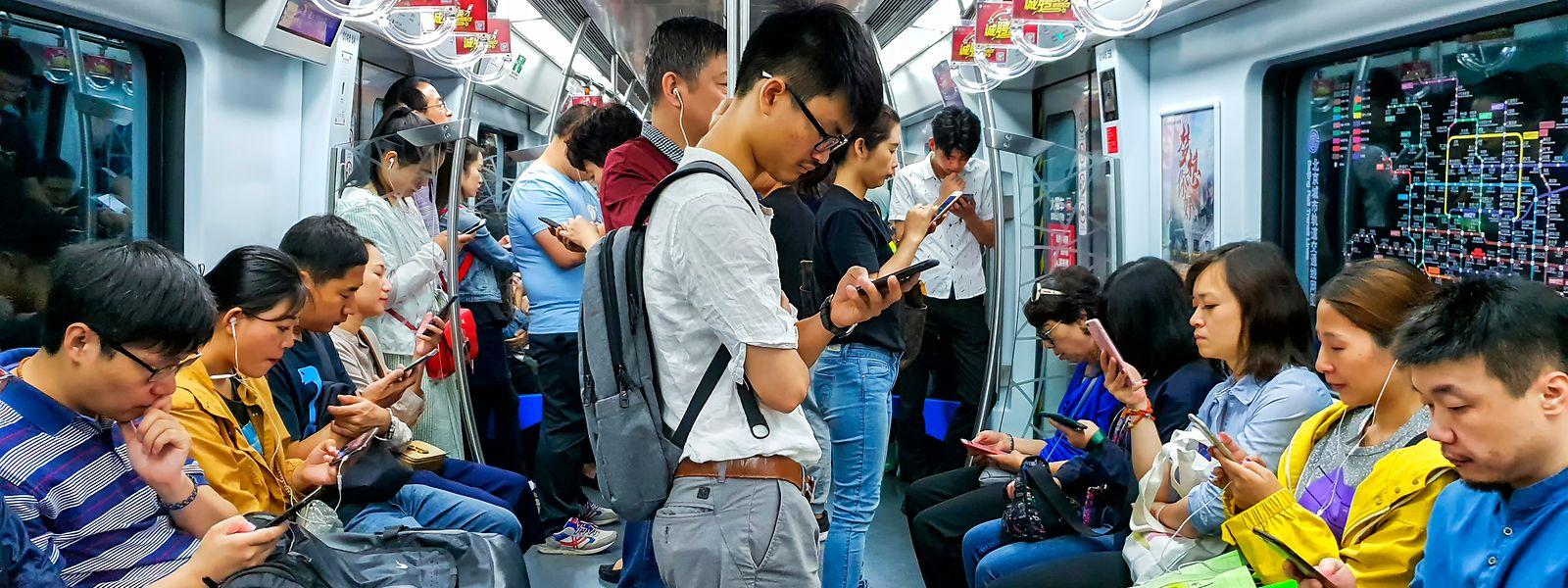 Auch Smartphones werden in China zur Überwachung und Ortung der Bürger genutzt.