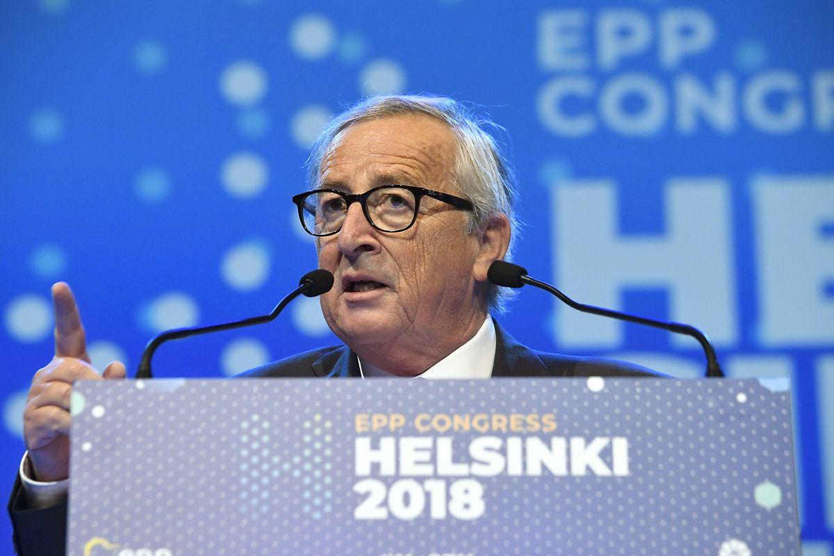 Der Präsident der Europäischen Kommission, Jean-Claude Juncker, spricht auf dem Kongress der Europäischen Volkspartei (EVP).
