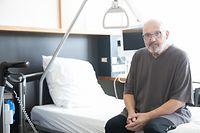 Jacques Woeffler ist 70 Jahre alt und hatte bereits einige Vorerkrankungen. Mitte März wurde bei ihm eine Infizierung mit dem Corona-Virus festgestellt. Der Mann aus Düdelingen lag daraufhin 35 Tage im Koma auf der Intensivstation. Nach insgesamt sieben Wochen im Rehazenter darf er nun bald wieder nach Hause.