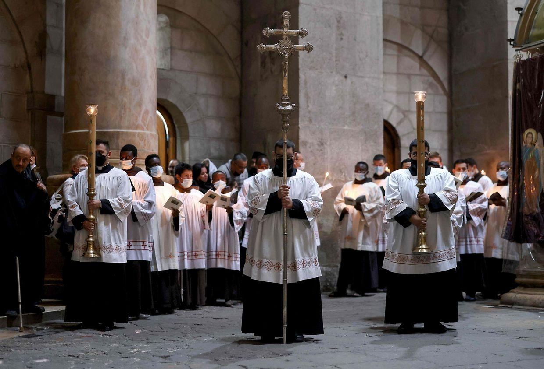 Missa no Sagrado Sepulcro, em Jerusalém