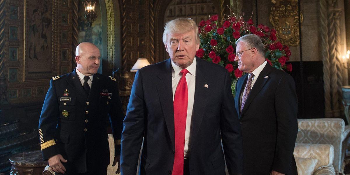 Le 28 janvier, huit jours après son investiture, Donald Trump avait publié un décret donnant 30 jours au Pentagone pour préparer un nouveau plan accélérant la campagne contre l'EI.