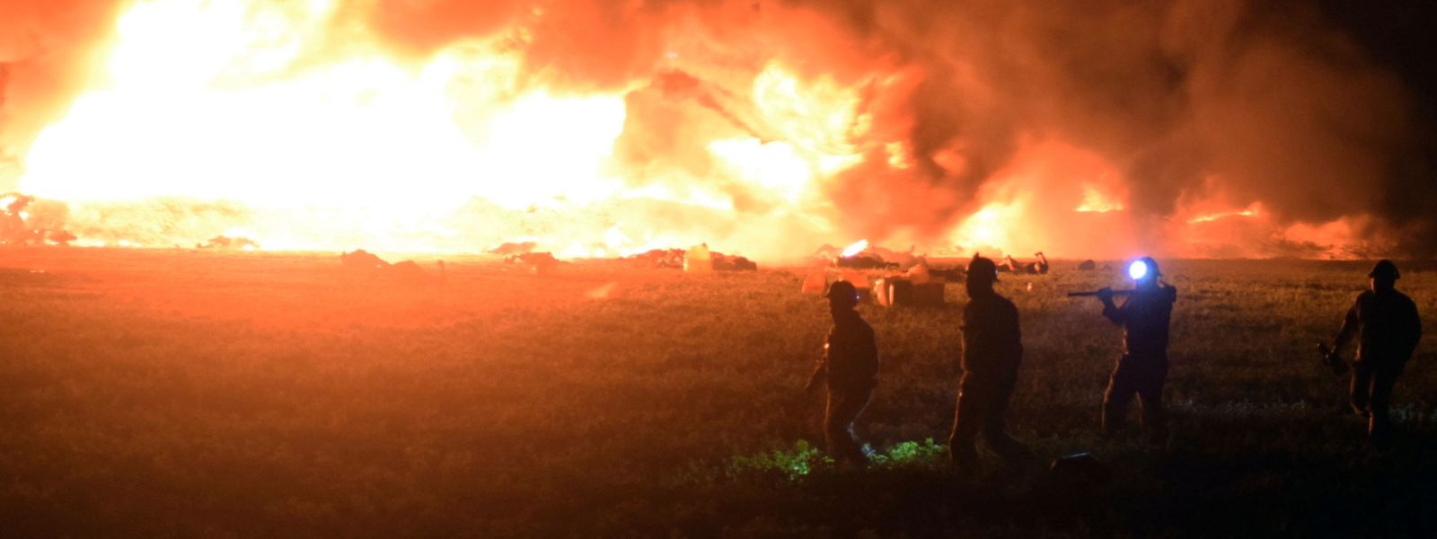 Le drame s'est déroulé vendredi à Tlahuelilpan (environ 120 km au nord de Mexico) deux heures après le percement clandestin de l'oléoduc par des trafiquants de carburant.