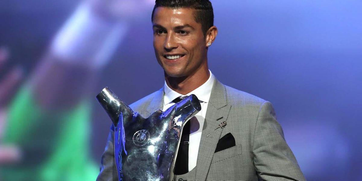 UEFA  Cristiano Ronaldo eleito melhor jogador da UEFA em 2016 17 b8eab024c0b64