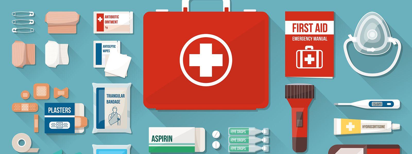 Urlaub schützt vor Krankheit nicht: Wer die richtige Auswahl an Medikamenten und Utensilien auf Reisen mit sich führt, dem bleiben einige zusätzliche Probleme erspart.