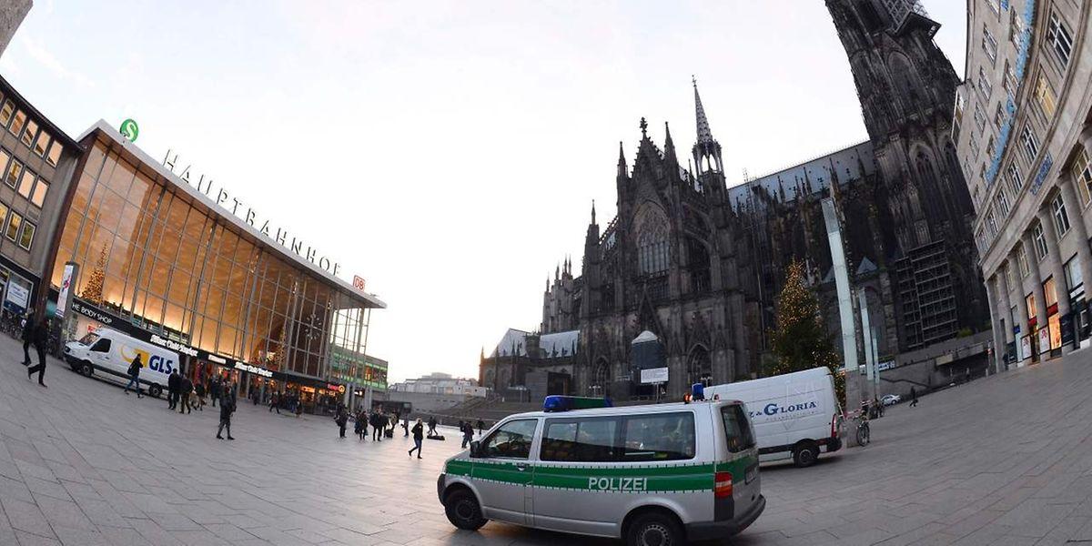 Mit Hochdruck versucht die deutsche Polizei, die Täter der Kölner Silvesterfeiern zu ermitteln.