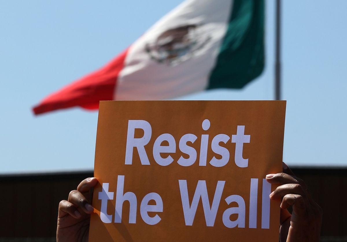 Trump will, das Mexiko sich an den Kosten für die Mauer beteiligt. Mexiko nicht.