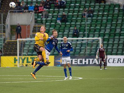Lars Gerson au duel. Sundsvall a signé sa troisième victoire en déplacement cette saison.