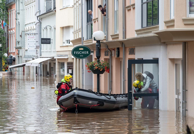 Operações de resgate de moradores de Echternach.