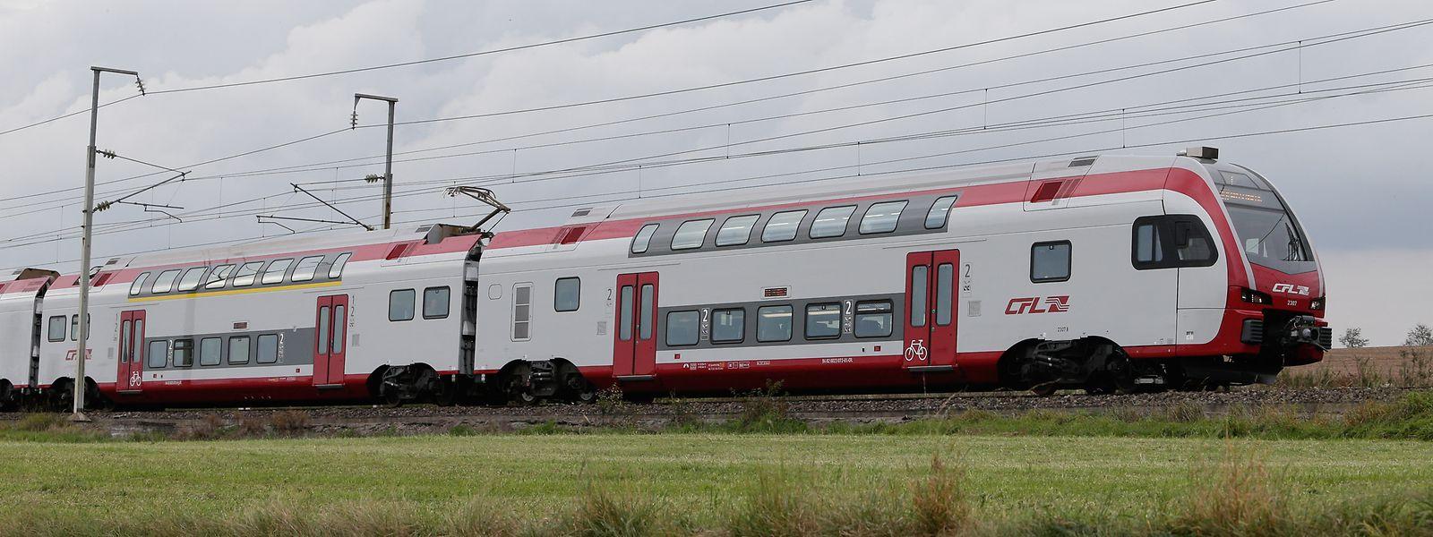 Der Doppelstocktriebwagen mit der Bezeichnung KISS entgleiste bei Düsseldorf.