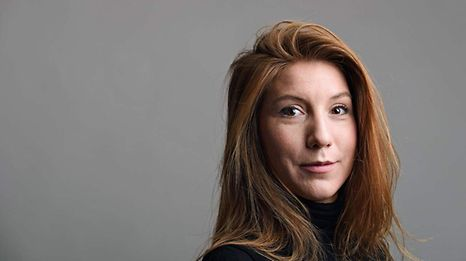 """This family handout photo released on August 12, 2017 shows Swedish journalist Kim Wall who was allegedly on board a submarine south of Copenhagen before it sank on August 11, 2017.   A Swedish journalist missing since August 11 after interviewing the inventor of a huge do-it-yourself submarine died in an accident on board the vessel and the inventor buried her at sea, Danish police said on August 21, 2017.  / AFP PHOTO / TT News Agency AND FAMILY HANDOUT / Tom WALL / RESTRICTED TO EDITORIAL USE - MANDATORY CREDIT """"AFP PHOTO / TOM WALL - NO MARKETING NO ADVERTISING CAMPAIGNS - DISTRIBUTED AS A SERVICE TO CLIENTS =="""