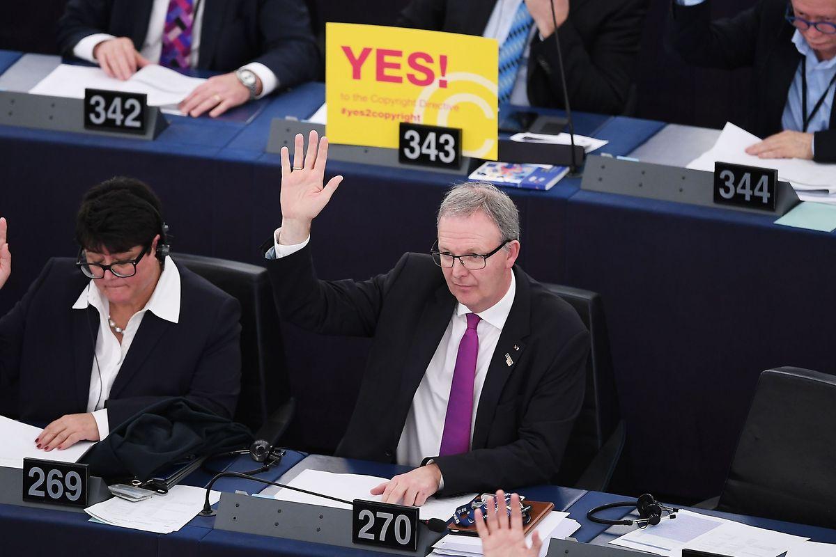 Der Berichterstatter der Copyright-Richtlinie, Axel Voss (EVP), nahm das Ergebnis der Abstimmung im Europaparlament erleichtert auf.