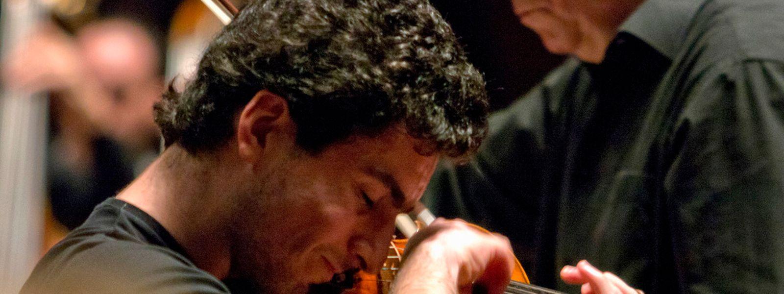 Sergey Khachatryan bei einer Probe mit dem OPL in der Philharmonie.