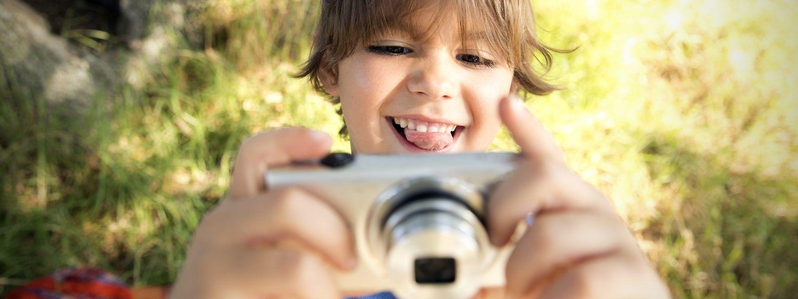 Eine ausrangierte oder günstige digitale Kompaktkamera ist ideal für Kids.