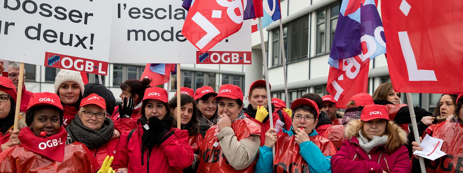 Les agents de nettoyage de la Commission européenne ont manifesté une deuxième fois contre leurs conditions de travail.
