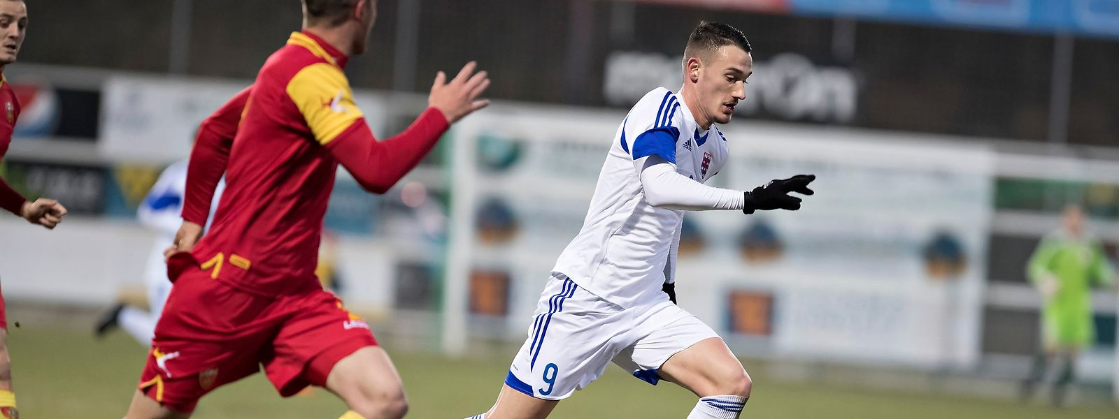 Edvin Muratovic (n°9, en blanc) va devoir retrouver son efficacité contre le Kazakhstan