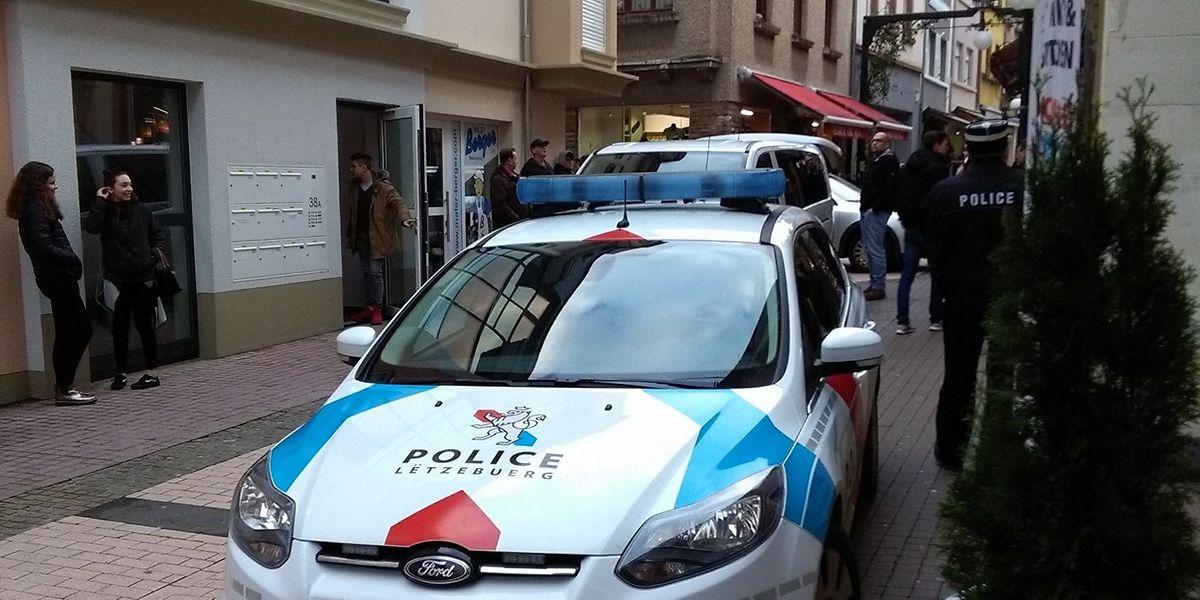 Die Polizei leitete umgehend eine Fahndung ein.