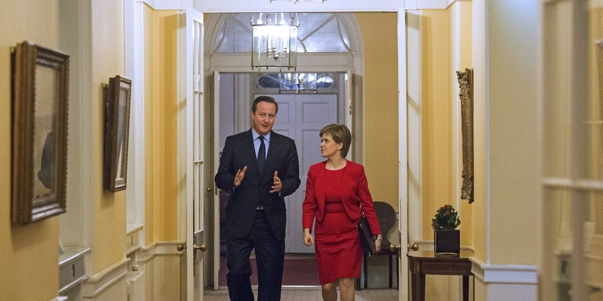 Le Premier ministre britannique David Cameron et son homologue écossais Nicola Sturgeon, lundi à Londres.