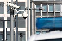 Illustration, Polizei, Kameras, Überwachungskamera, am Bahnhof Foto: Luxemburger Wort/Anouk Antony
