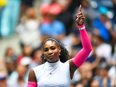 Serena Williams of US celebrates after defeating Johanna Larsson of Sweden during their 2016 US Open women's singles match at the USTA Billie Jean King National Tennis Center in New York on September 3, 2016. / AFP PHOTO / EDUARDO MUNOZ ALVAREZ