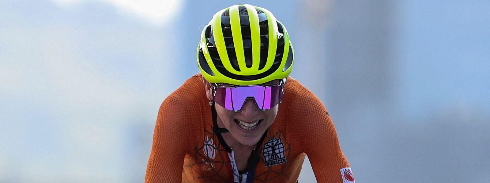 A holandesa,  Annemiek Van Vleuten, estava absolutamente convencida de que tinha ganho a prova. Mas, afinal, tinha sido a segunda a chegar.
