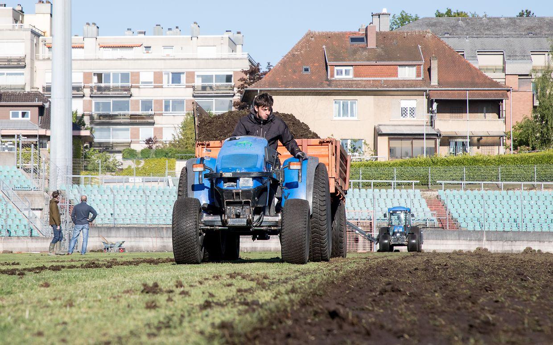 La pelouse flambant neuve devrait être prête à l'emploi d'ici deux à trois mois