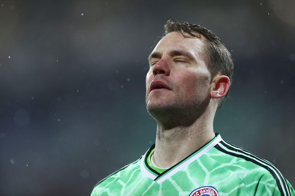 Welttorhüter Manuel Neuer hält keinen Elfmeter.