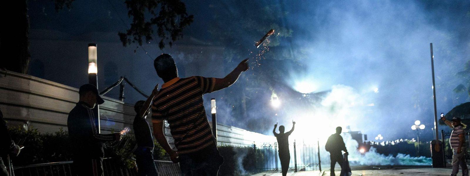 In Tirana wird seit Wochen auf den Straßen protestiert.