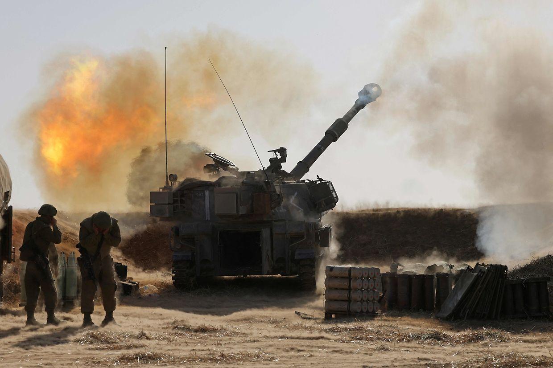 Die israelische Artillerie nahe der Stadt Sderot.