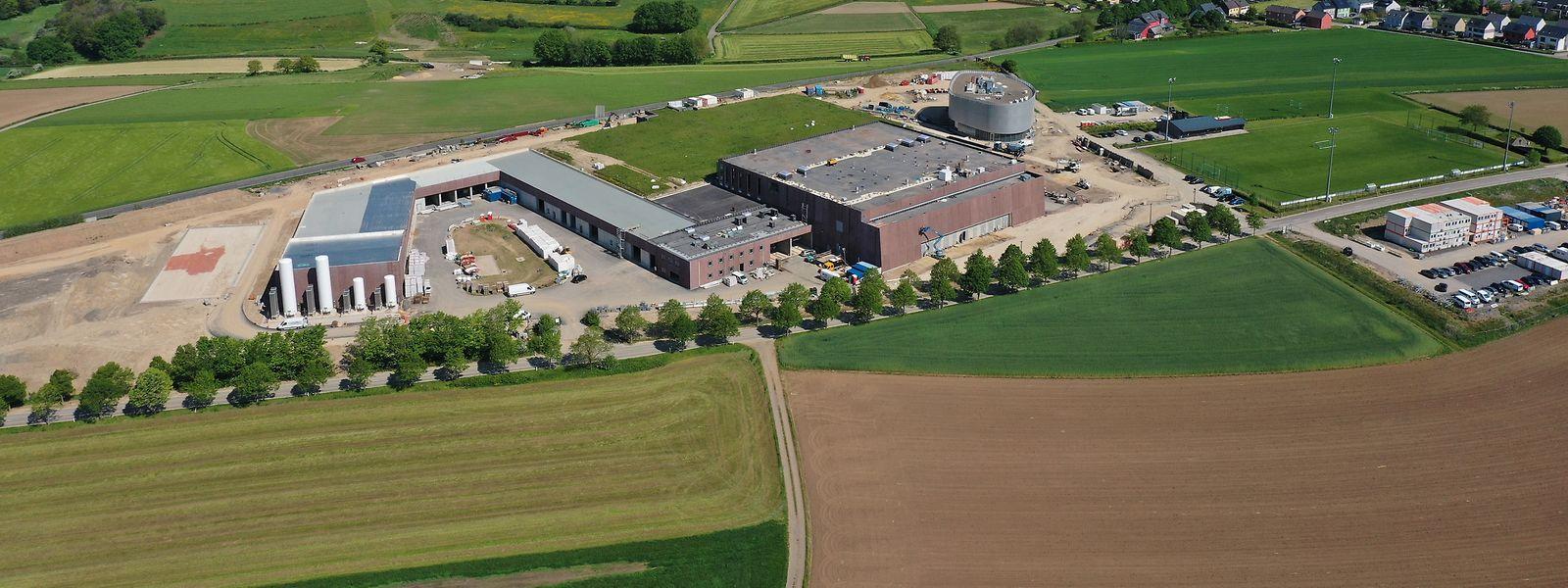 Der Standort der neuen Trinkwasser-Aufbereitungsanlage in Eschdorf aus der Vogelperspektive.