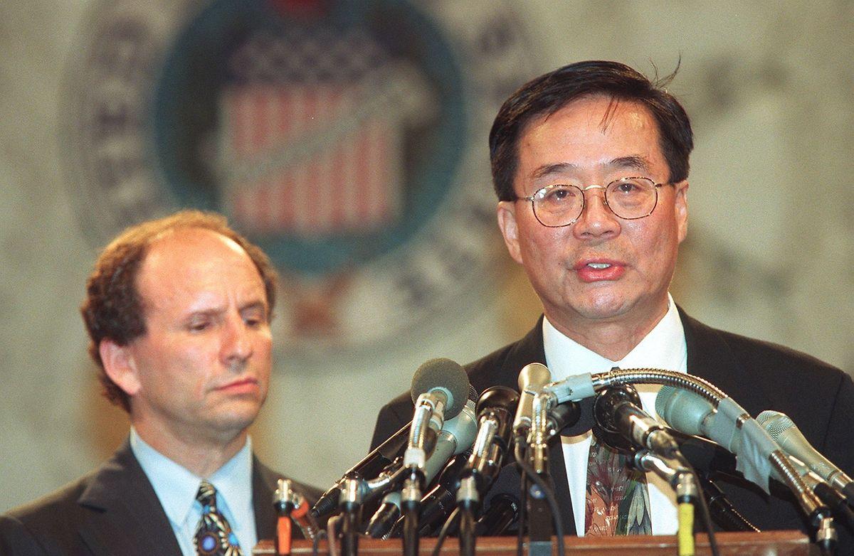 Harry Wu spricht zu Reportern bei einer Pressekonferenz vor dem US-Kongress. (Archivbild vom 24. Juni 1998)