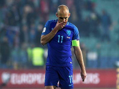 Die Niederlande um Arjen Robben sind nur noch Vierter in der Luxemburger Gruppe.