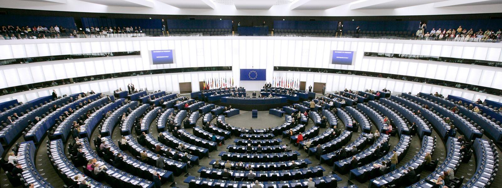 """Die inzwischen 142 Mitglieder der Parlamentarischen Versammlung traten erstmals im März 1958 zusammen. Doch der Name """"Europäisches Parlament"""" wurde erst 1962 von den Mitgliedern der Versammlung angenommen."""