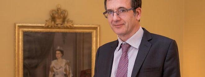 Der britische Botschafter in Luxemburg, John Marshall, zeigt auf eine eindrucksvolle Art, dass er der luxemburgischen Sprache mächtig ist.